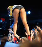 th_72128_celebrity-paradise.com-The_Elder-Keri_Hilson_2010-02-04_-_Pepsi_Super_Bowl_Fan_Jam_in_Miami_1173_122_1003lo.jpg