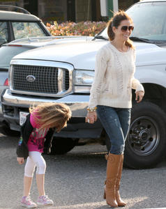 Брук Берк, фото 1447. Brooke Burke playing in the park with her kids in Malibu, february 20, foto 1447