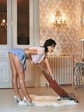 http://img197.imagevenue.com/loc191/th_42921_140301_housemaid_sophie_05_123_191lo.jpg
