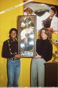 1983 - Thriller Certified Platinum  Th_579258139_182932_191228504243167_3124233_n_122_195lo