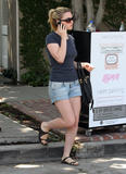 Анна Пакуин, фото 15. Anna Paquin at a salon on Melrose Ave in Beverly Hills 08-06-2010, photo 15