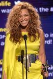 th_38142_Beyonce_BET_Awards_in_LA_July_1_2012_10_122_454lo.jpg
