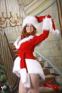 http://img197.imagevenue.com/loc561/th_253111171_silver_angels_Sandrinya_I_Christmas_1_023_123_561lo.jpg