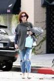 th_11185_Celebutopia-Kate_Walsh_with_ripped_jeans_in_Hollywood-05_122_810lo.JPG